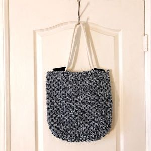 NWT URBAN OUTFITTERS chunky knitted tote bag!